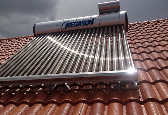 Chi phí lắp đặt hệ thống máy nước nóng năng lượng mặt trời