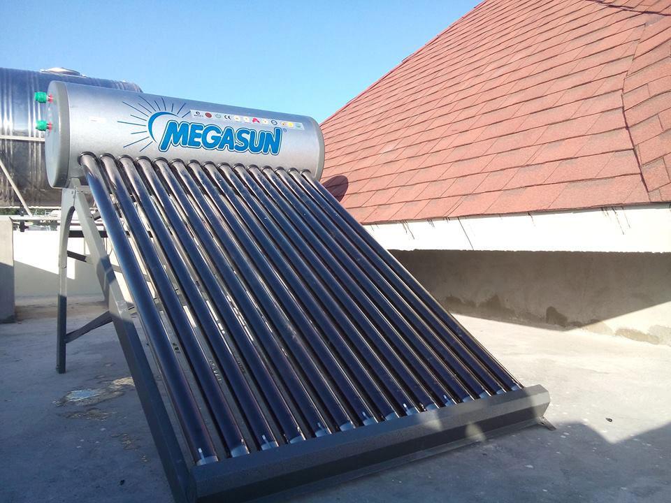 Máy nước nóng năng lượng mặt trời Megasun kae 300L